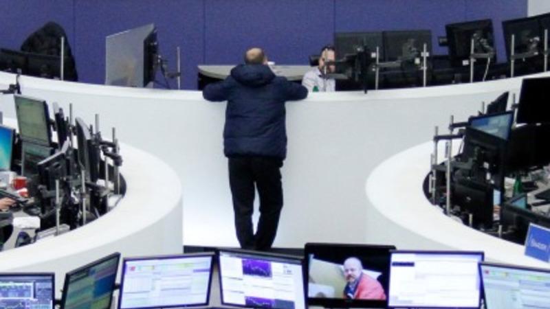Oil price slide rattles markets