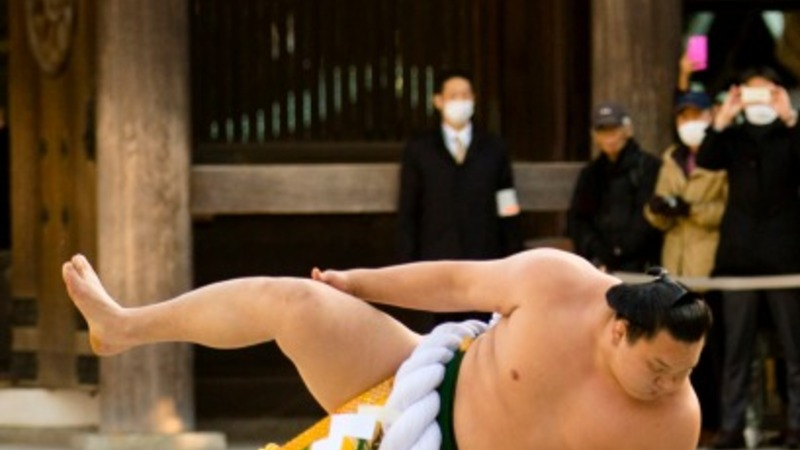 Sumo wrestlers ring in the New Year