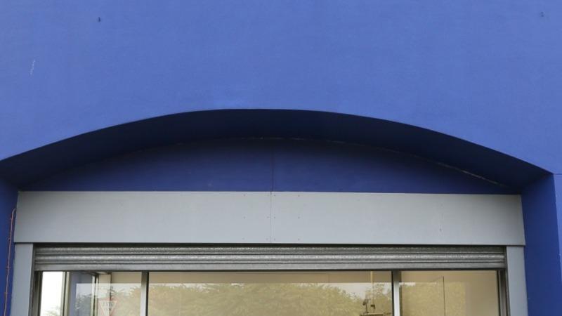 Tesco cuts costs in bid to turn company around