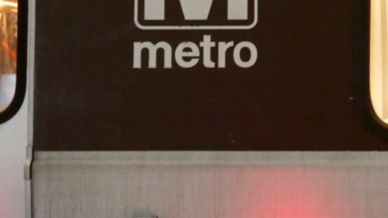 Deadly smoke halts DC metro