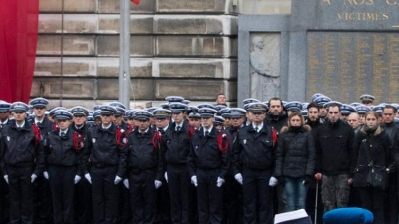 France honours police killed in Paris attacks