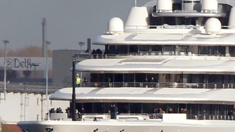 Superyachts: the bigger the better