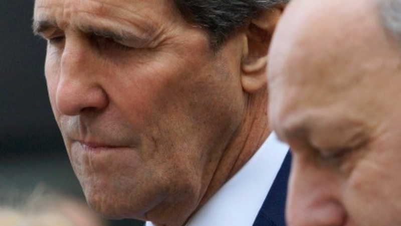 Kerry in show of solidarity in France