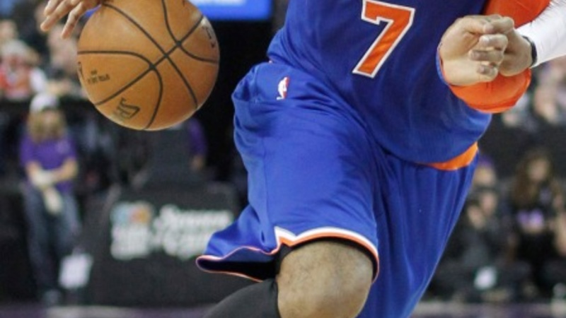 Melo's back: Knicks end 16-game losing streak