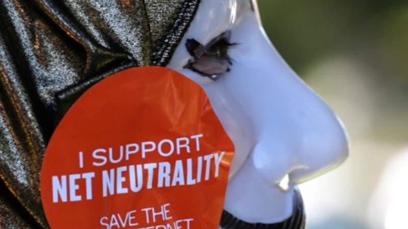 Party lines blur on net neutrality