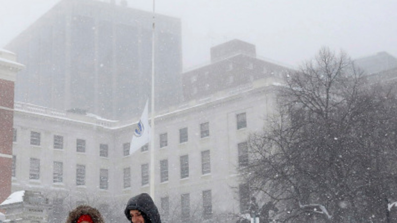 Blizzard sweeps Northeast but spares NYC
