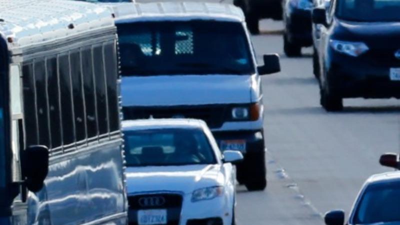 Obama road plan may bridge budget divide