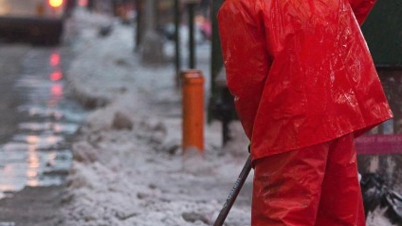 Snow slams Boston, Patriots' parade postponed