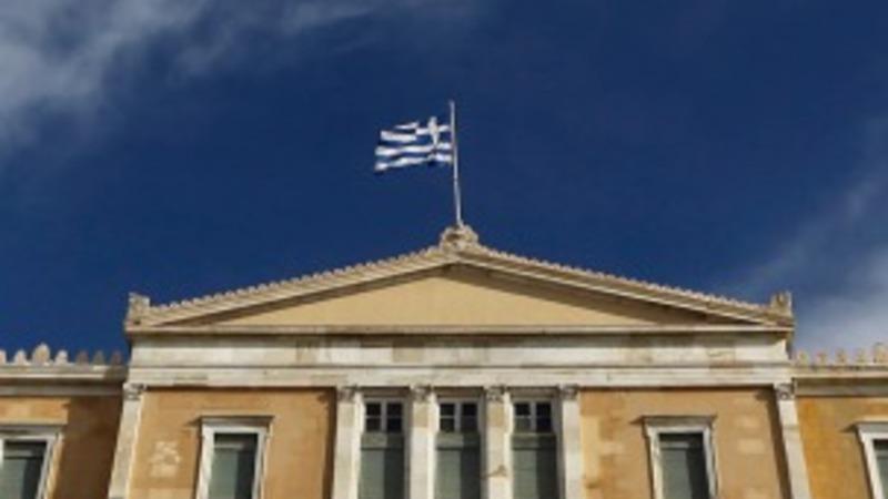 Greek debt trouble shakes the euro