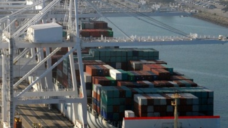 West coast ports reopen, Obama tries to help