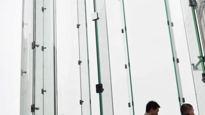 Lawsuit bolsters Apple electric car rumors