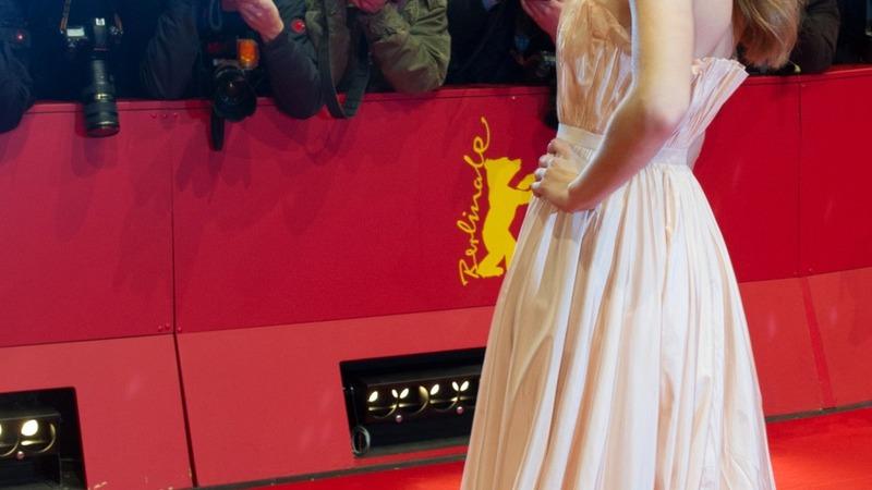 Cinderella director denies photoshopping waist