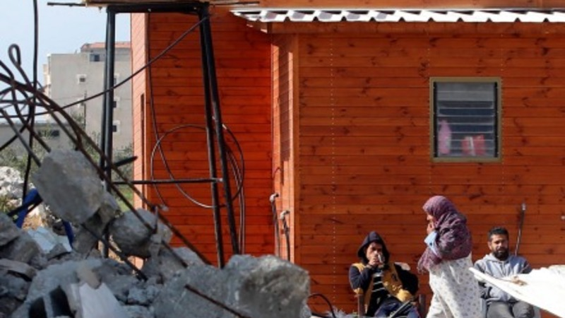 Makeshift homes pop up in Gaza
