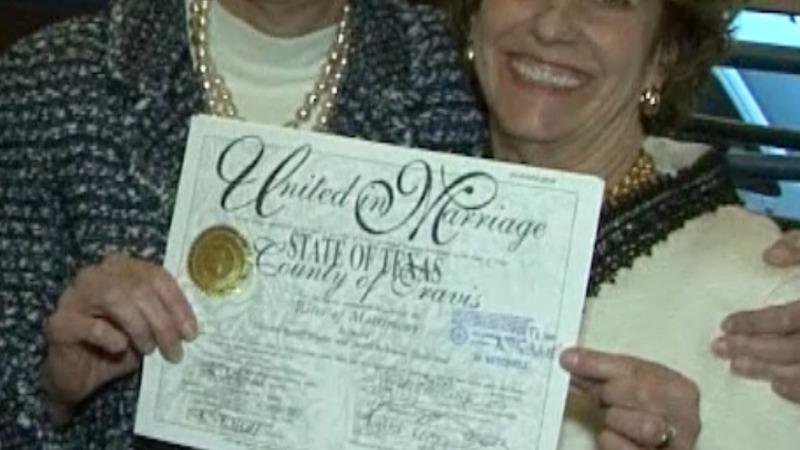 Texas seeks to strip gay newlyweds of license