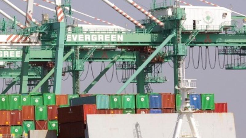 Tentative deal ends west coast port dispute