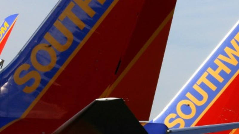 FAA lets Southwest fly despite missed checks