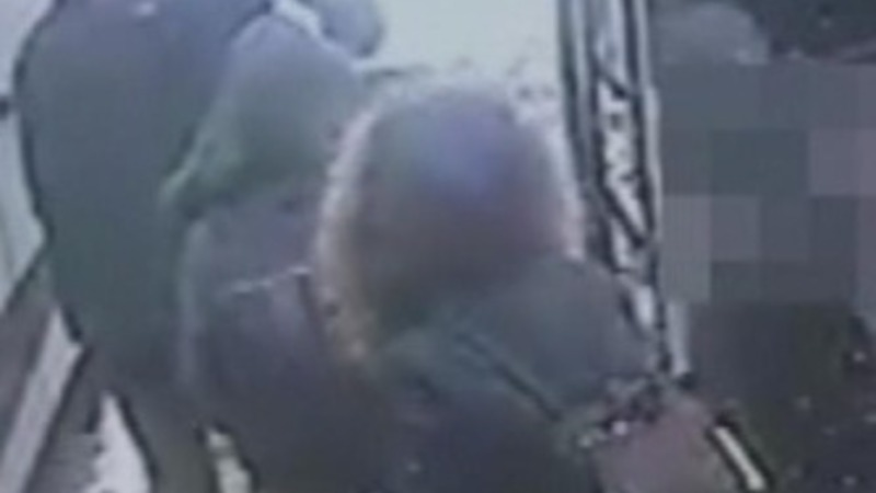 CCTV shows UK schoolgirls in Istanbul
