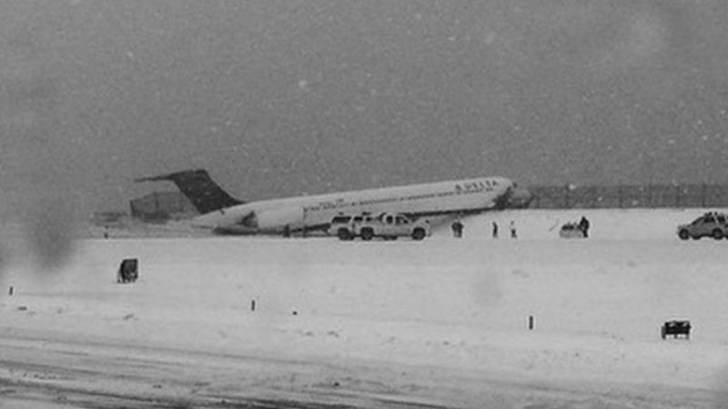 Plane skids off runway at NY airport