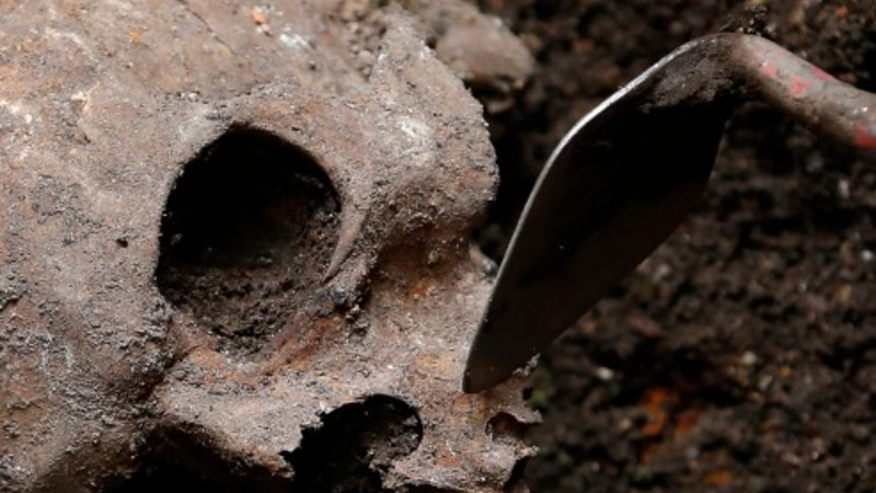 Crossrail unearths thousands of skeletons