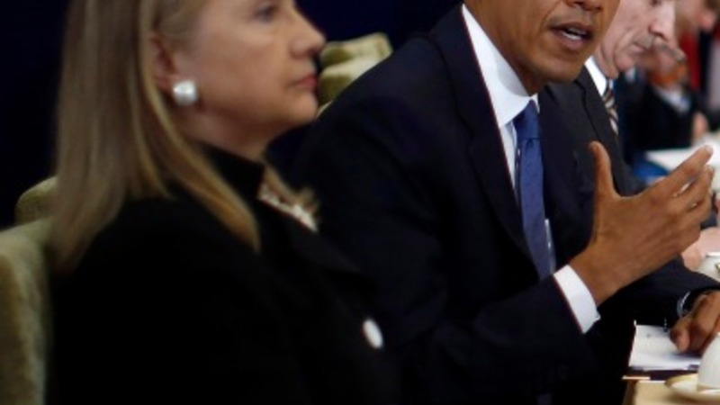 White House: Obama, Clinton traded emails