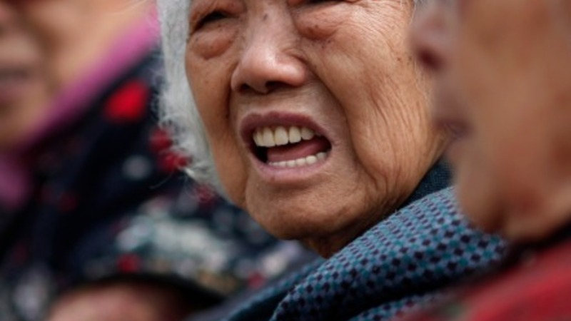 China tells its citizens to work longer