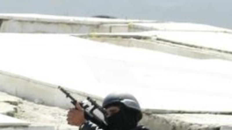 North African turmoil spreads to Tunisia