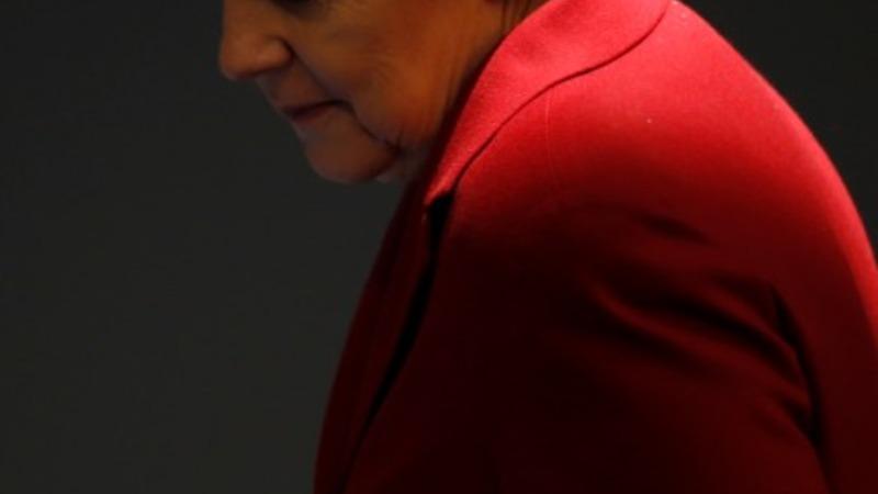 Tsipras vs Merkel in Western-style showdown