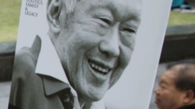 Singapore mourns its founding father