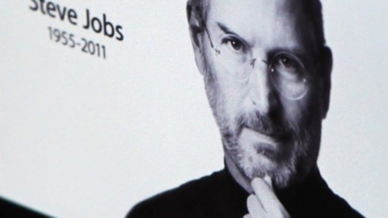 New Jobs bio gets praise from Apple execs
