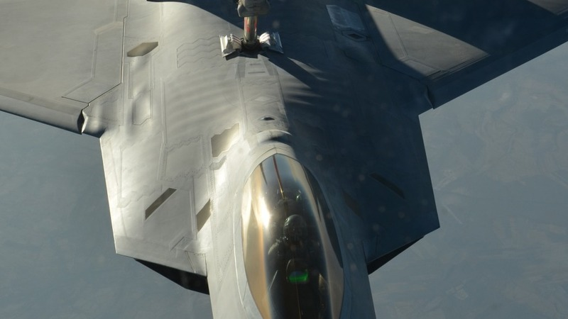 Tikrit airstrikes carry new risks for U.S.