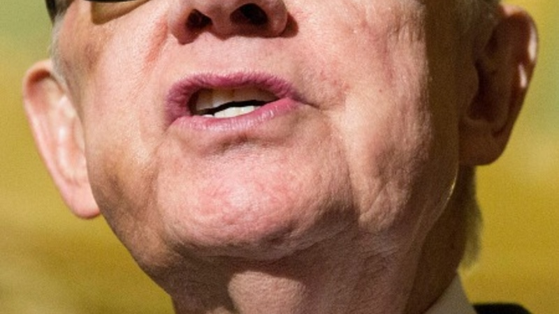 Harry Reid won't seek re-election