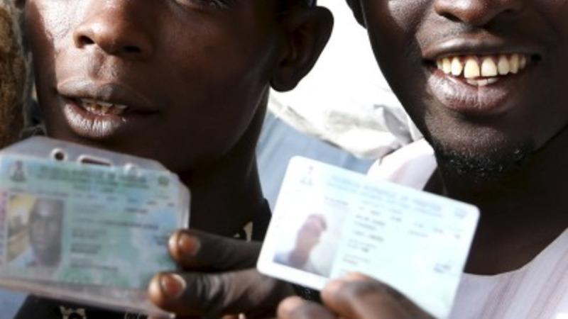 Nigeria votes amid delays and explosion