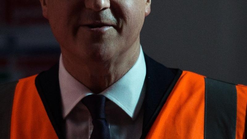 Economic boost raises hopes for Cameron