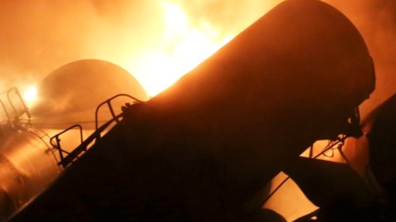 New rules aim to curb U.S. oil train disasters