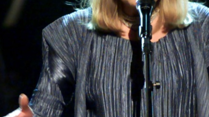 "Joni Mitchell in ""good spirits"" at LA hospital"