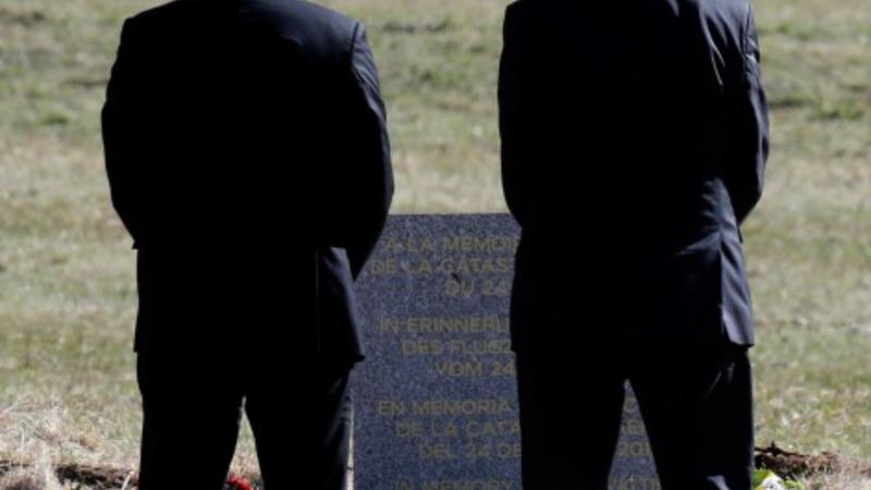 Airline CEOs mourn crash victims