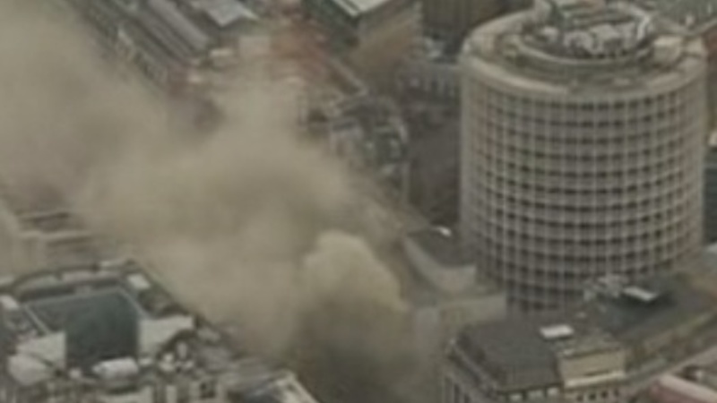 Thousands evacuated after London fire