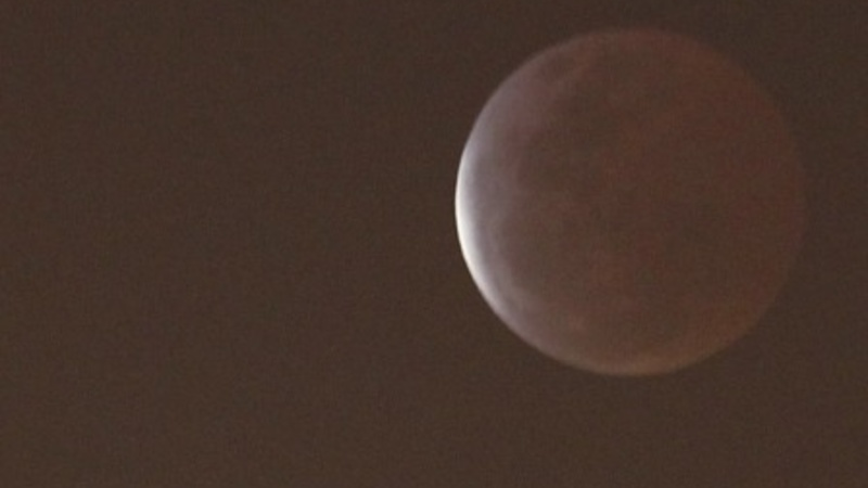 """Total lunar eclipse causes """"blood moon"""""""