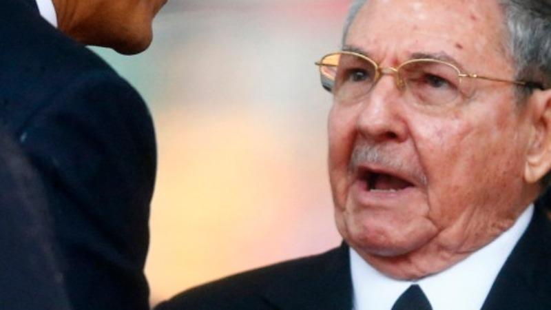Obama to cross paths with Raul Castro in Panama