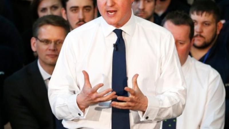 Tories aim rail fare pledge at commuters