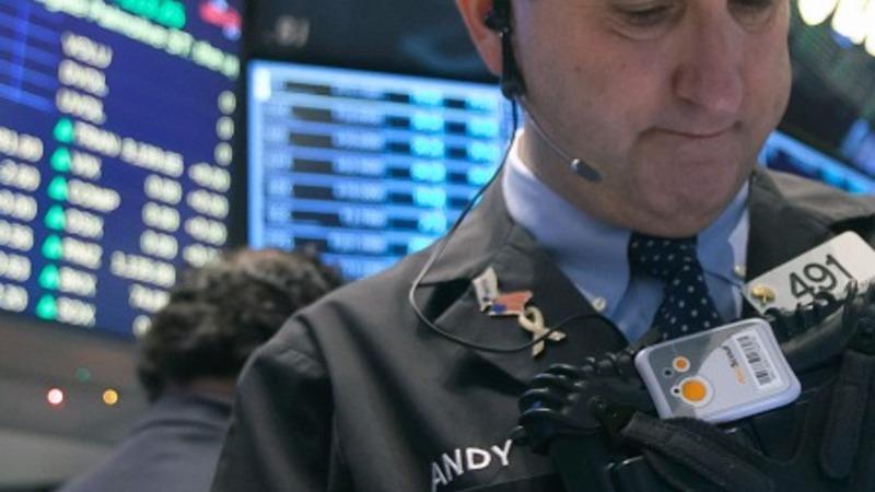 U.S. markets plunge on weak earnings