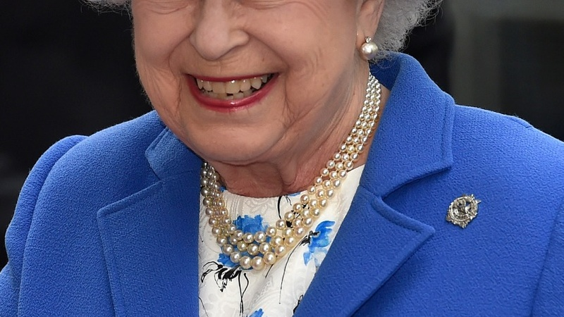 Gun salute marks Queen's 89th birthday