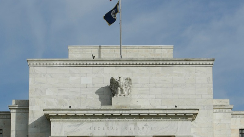 Fed dampens rate hike expectations