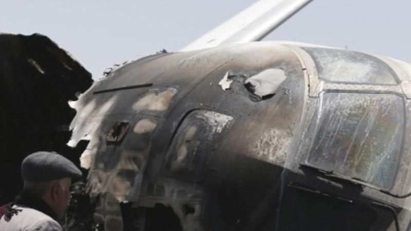 Saudi jets target Sana'a airport