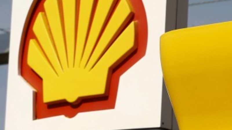 Shell beats expectations, denies mega-deal