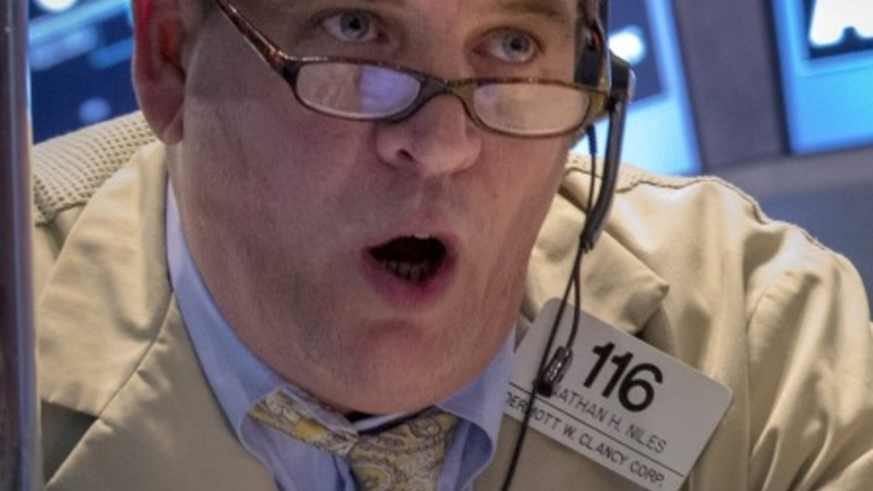 Markets slump on economy, rate uncertainty