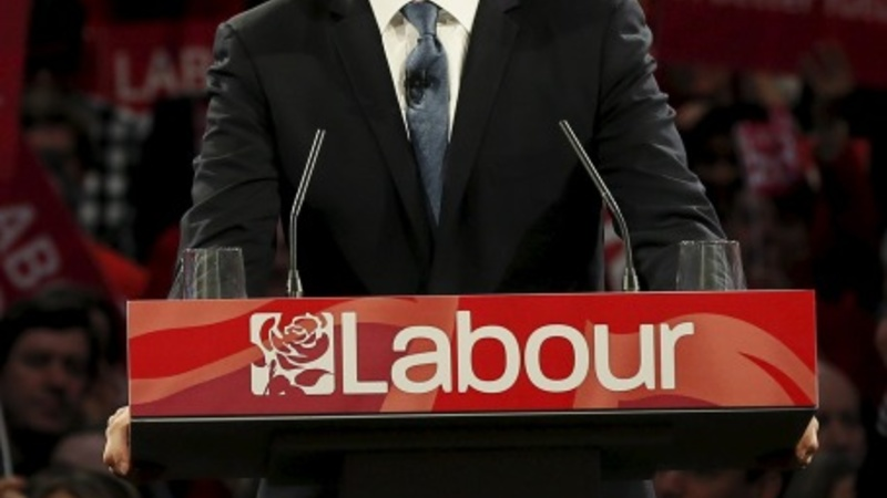 Frantic last weekend for UK election campaign