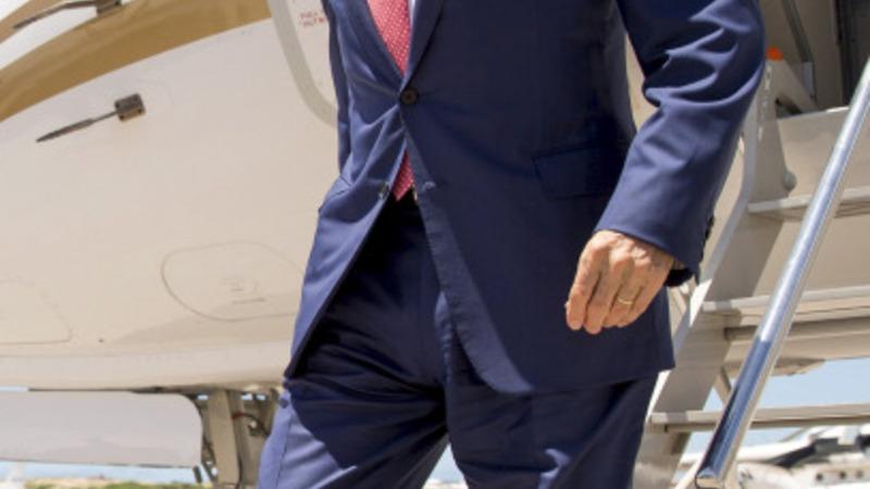 Kerry makes surprise visit to Somalia