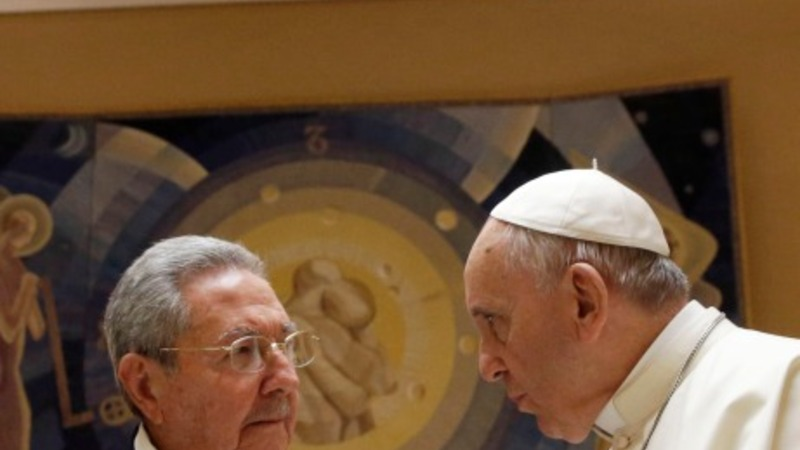 Raul Castro thanks Pope in rare meeting