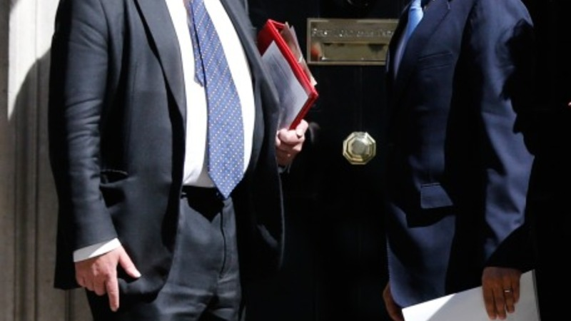 Cameron holds first cabinet meeting